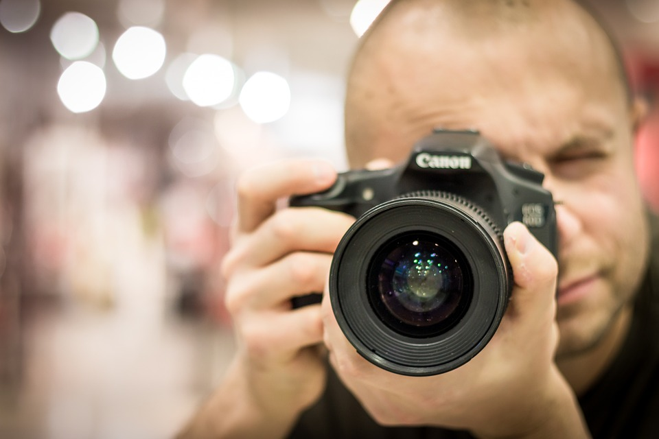 Image thumbnail to represent blog post How to choose a professional commercial photographer